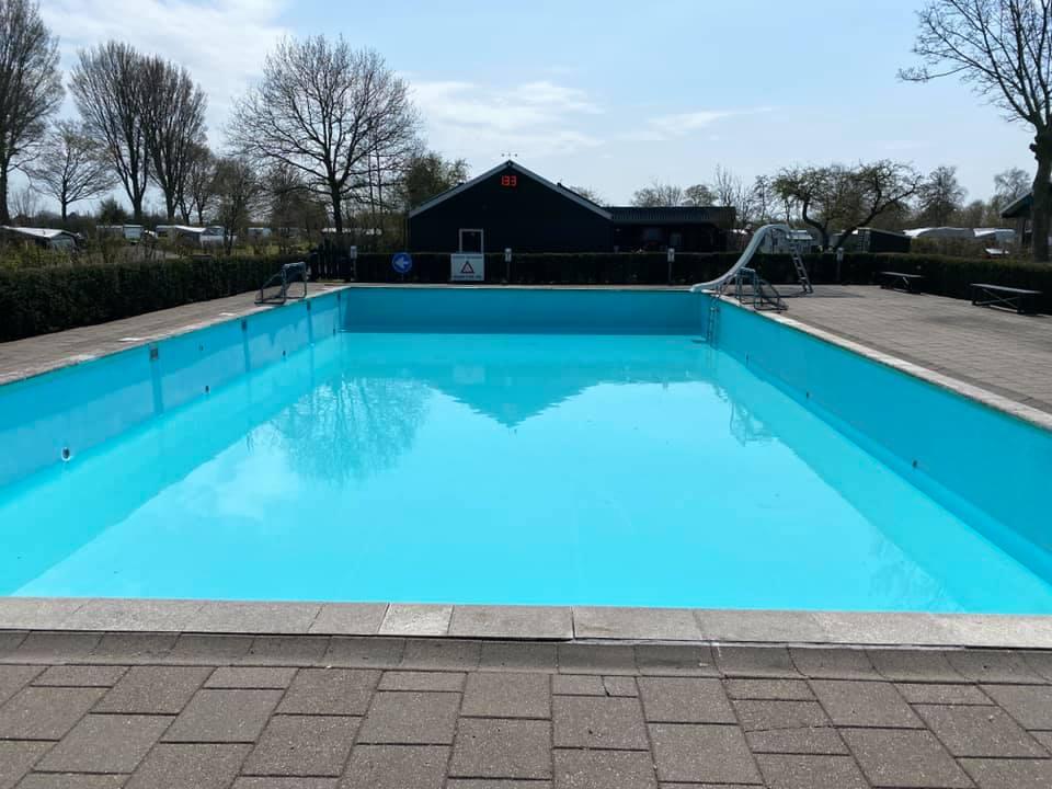 Zwembad weer schoon